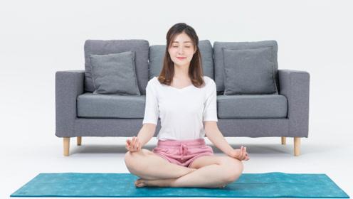 养生瑜伽可以预防妇科问题,学会2个动作,调理气血蠕动内脏