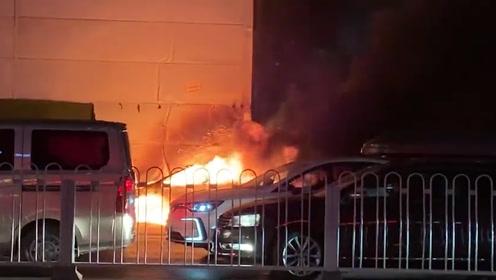 自燃爆炸!乘客多次提醒车内有异味,滴滴坚持驾驶随后轿车自燃