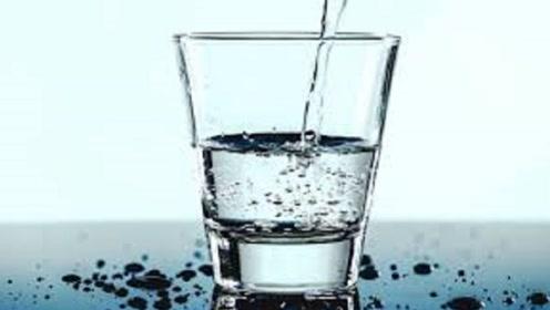 这么喝水是错的?错误的饮水会引发肝癌!赶快戒掉吧!