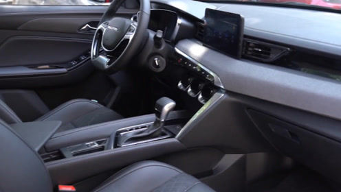 又一款国产火了,新小型SUV起售价不足5万,用高配置虐宝骏510