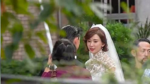 林志玲婚纱首曝光,夫妻俩相视甜笑默契十足,被曝怀上双胞胎