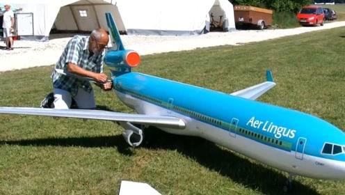 如此逼真的航空模型,起飞瞬间我彻底被震撼了,一台得要好几万吧