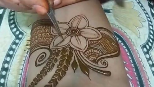 听说在外国,有钱人才能纹身,看起来好丑啊!