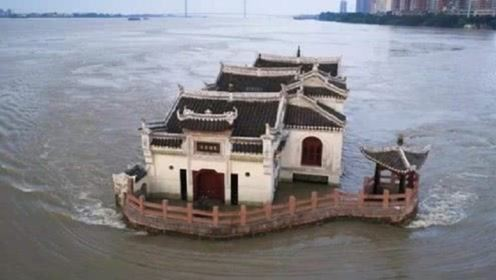 """我国""""最霸气""""的钉子户,扎根在长江七百多年,连国家都不敢拆它"""