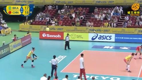 """张常宁立下""""血功""""的两个发球,直接帮助中国女排多了一个世界冠军!"""