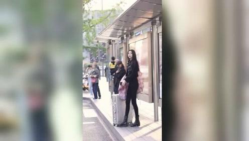 事实证明只要身材好够漂亮,就算背个麻袋上街都好看