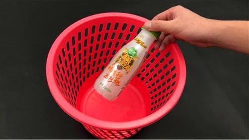 垃圾桶上记得放一个塑料瓶,真是太实用了,放家里,全家人都喜欢