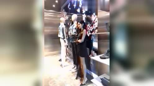 商场偶遇景甜,身上的衣服引起注意,网友:张继科分手情有可原!