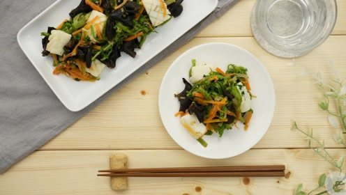 孕产营养(孕8个月-分娩):芹菜鱿鱼卷