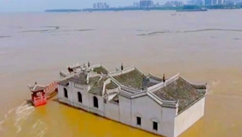 陕西百年神庙,洪水来了自动绕道,专家解释不清,小学生道出天机!