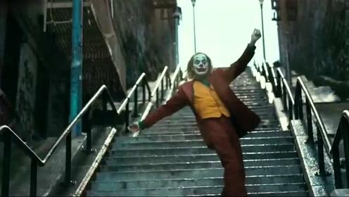 """赵本山劝导小丑!看赵本山如何帮助小丑""""找回自信"""""""