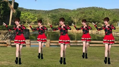 笑春风广场舞《情歌对唱》简单32步教学好学易懂