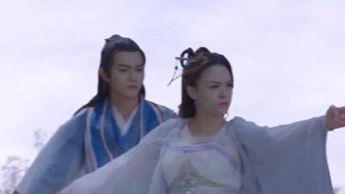《从前有座灵剑山》王舞和王陆御剑,王舞的衣服都被风吹开了,搞笑