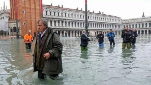 威尼斯水城遭遇洪水侵袭,多个著名景点遭到水浸,居民生活受干扰!