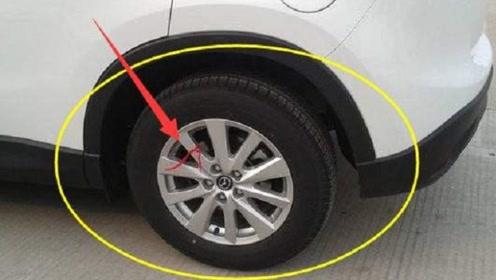 提完车后不要只顾着高兴,这条红绳最好别留,老司机:安全第一!