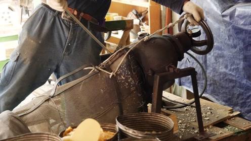 大叔街边卖传统小吃,15元一斤日销300斤,食客:一次买10斤