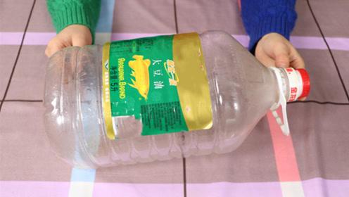 清洗空油桶这么简单,不用一滴洗洁精,干净透亮,太棒了