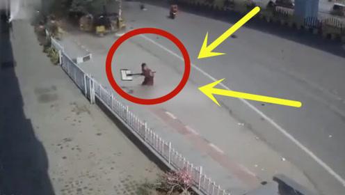 行人突遭天降汽车,砸中身亡,多角度监控还原离奇一幕