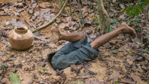 """农村小哥地下挖出一个""""世外桃源"""",躺进去一瞬间,感觉太爽了!"""