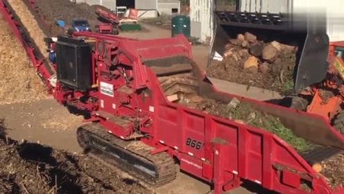 这么牛的粉碎机器,几秒钟就可以把木头块碎成粉末,大开眼界了!