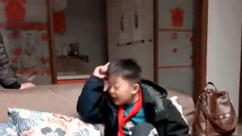 熊孩子听到爸爸给爷爷买的烟,瞬间气炸了当场揭穿,爷爷真没白疼这孙子!