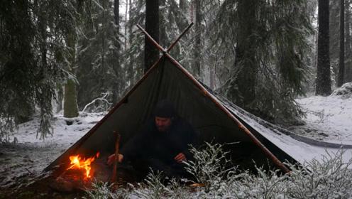 冬季独自徒步丛林3天,一路搭建帐篷生篝火过夜,途中还下起了雪