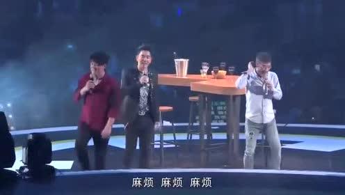三位乐坛教父级歌手同台演唱,真的好难得