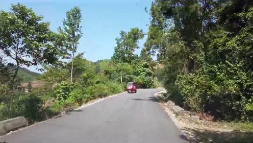 开车在贵州大山,贵州山路太好了,村村通油路就是不一样