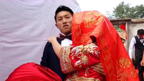 山东一大学校花,没毕业就被40岁男子娶走,猜猜新郎啥身份?