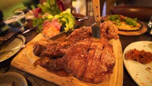 欧美人士热衷油炸猪头,成品出来简直是硬菜,中国吃货忍不了了