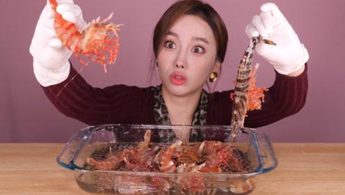 日本伊势虾和黑虎虾哪个更好吃,小孩子才会做选择,我全都要