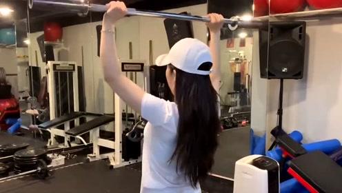 运动健身不再是男人的专利,今天介绍的美女健身,棒棒哒
