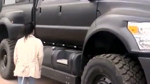 本来是给老婆买的车,可是她也上不去车啊,还是留给自己开吧!