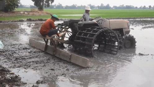 有趣的耕地机后边还需要加配重