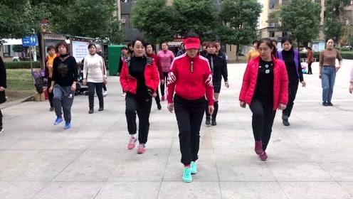 鬼步舞初学者必看,最容易学的《奔跑》基础步,喜欢就跳起来