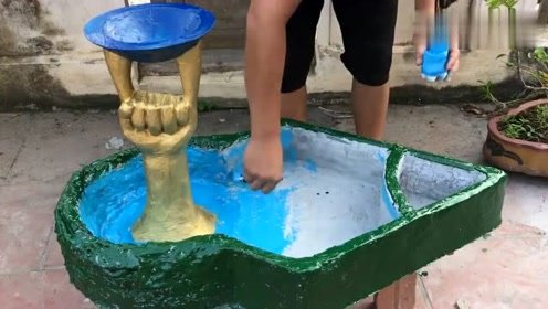 高手就是高手,竟然把水泥做成了艺术花盆,这手艺实在让人佩服!