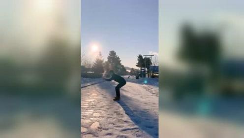 来一个泼水成冰背后的故事!为了给你们拍视频容易吗?求赞!