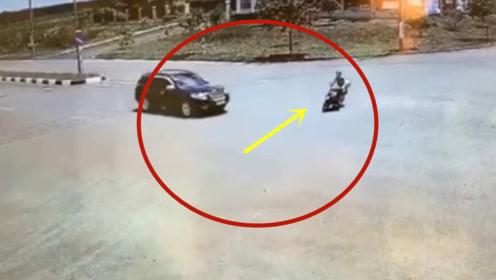 为什么路口要减速慢行,这就是原因!摩托男子当场丢了性命