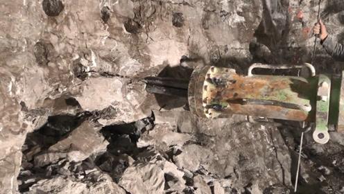 隧道里的岩石怎么破,全靠这台机器了