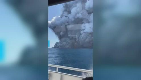12月9日 新西兰一火山爆发,警方:至少5人丧生