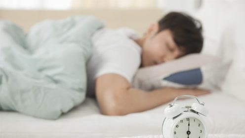 最能睡的村庄 村里人不分场合低头就睡 至今无法解释