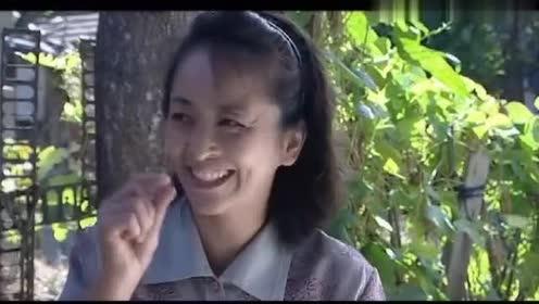 丑娘:大春去给老婆买臭豆腐,还抽空去看看丑娘,不料娘不认他