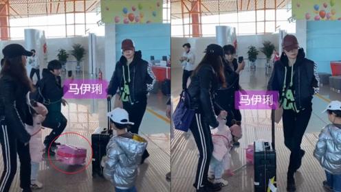 马伊琍机场被跟拍一脸冷漠,小女孩行李箱倒在马伊琍脚下遭无视