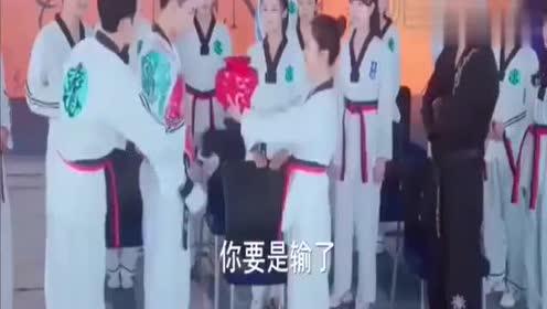 《旋风少女》百草迎战对手尹秀,廷皓应战对手亦枫,队员不可思议