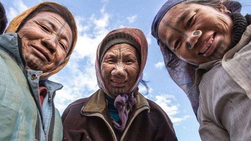 最奇葩的部落女子,因长相太过出众,不得不亲自毁去容貌!