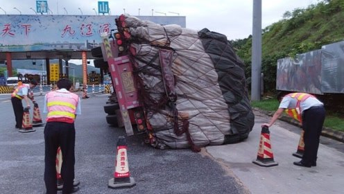 发生事故时,为什么货车宁愿撞上去,也不肯乱动方向盘?