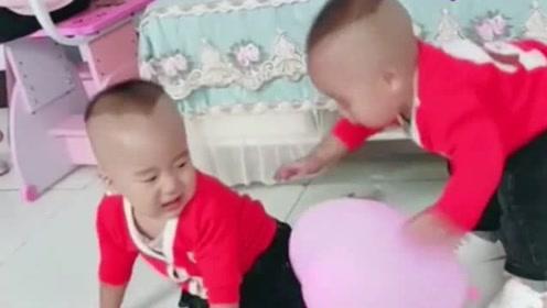 一个气球引发的战争,然后弟弟又怂又拽-输不输的,先哭了再说