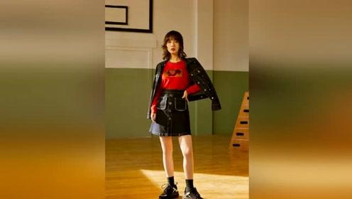 吴昕完美演绎复古街头风,从小透明到时尚新宠,她的故事太励志