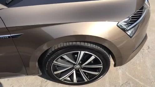 新车抢鲜看:全新斯柯达速派轮胎,运动化设计,拼色搭配