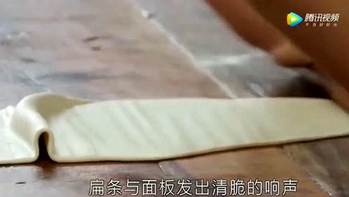 《舌尖上的中国》正宗陕西肉夹馍 好吃不腻人实在让人垂涎三尺